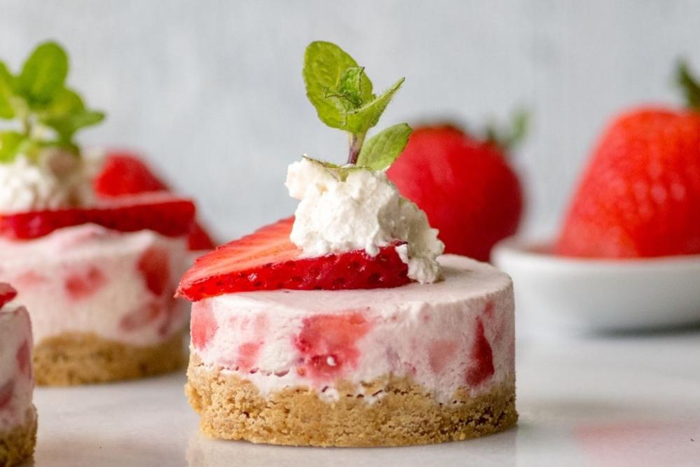 Gluten-free no-bake strawberry cheesecake by Gluten Free Palate