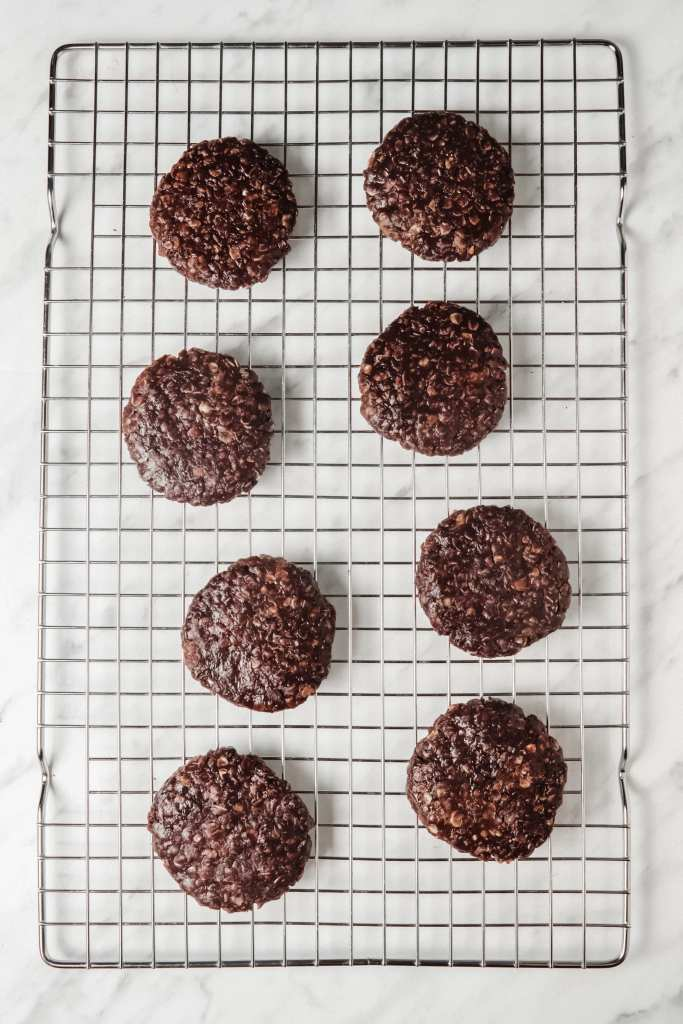 Picture of the mini chocolate peanut butter oat cookies on a wire rack
