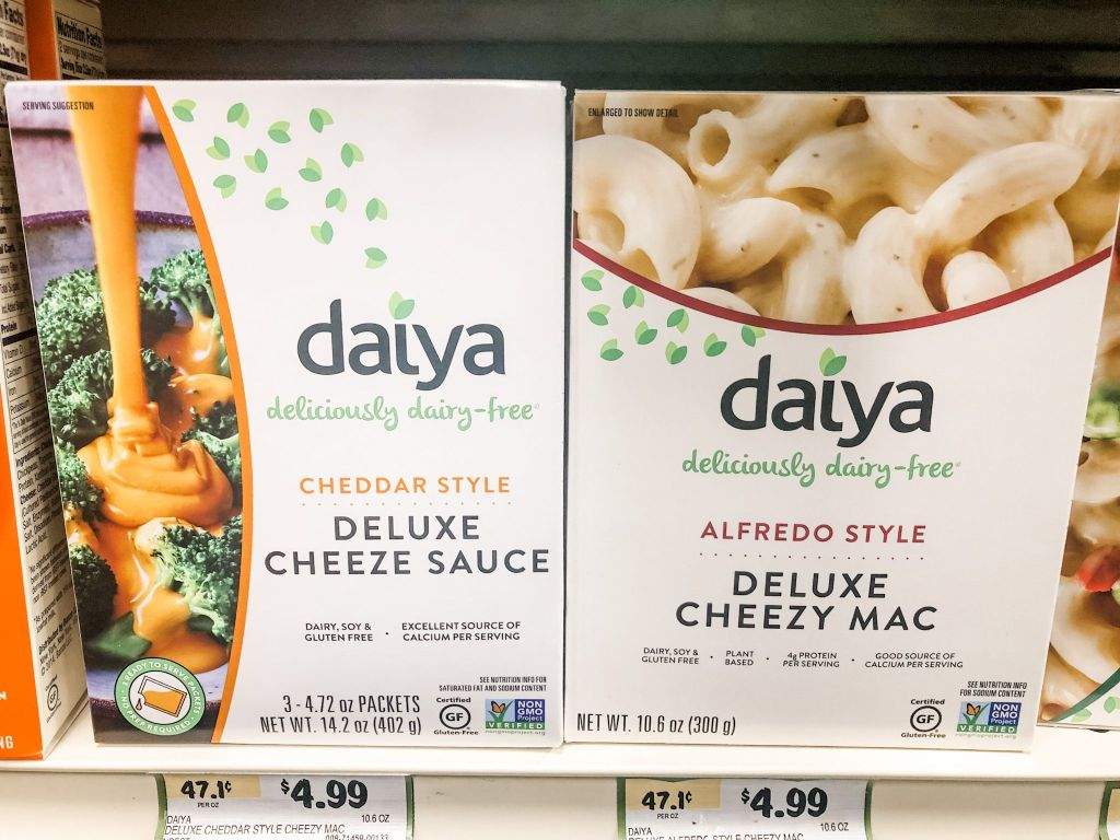 Picture of Daiya cheezy mac box mix