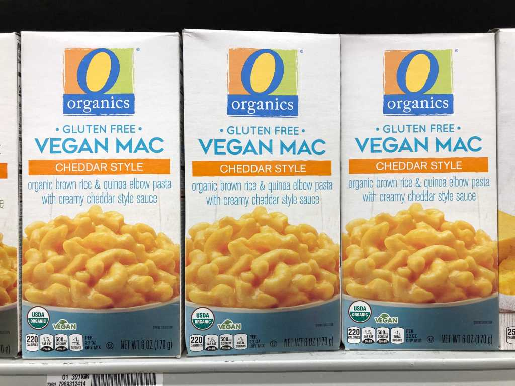 Picture of boxes of O Organics mac and cheese boxes found at safeway albertsons