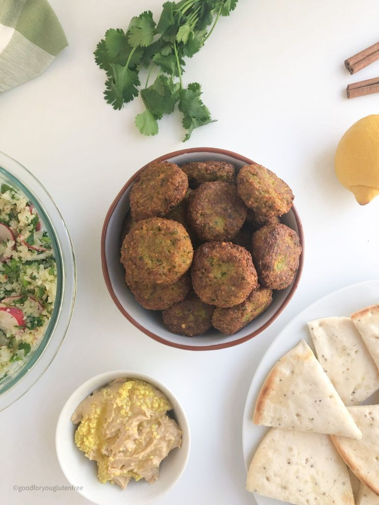 Picture of a bowl of cooked falafels