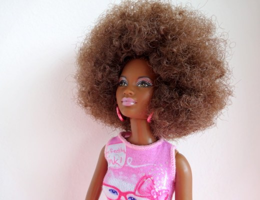 GoodGirlsCompany-My Black Doll-GoodGirlsCompany-donkere poppen-Barbie met kroeshaar