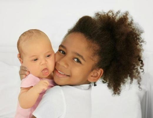 Zo betrek je oudere kinderen bij gezinsuitbreiding-GoodGirlsCompany