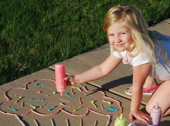 knutselinspiratie voor meisjes diy-sidewalk-foam-paint