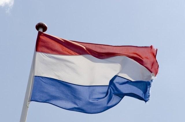 Hoe Nederlanders je er altijd aan helpen herinneren dat je geen Nederlander bent- Nederlandse vlag