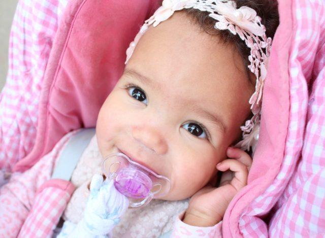 mijn kind wordt gepest om haar huidskleur-GoodGirlsCompany-bruine poppen-zelfacceptatie bij kinderen