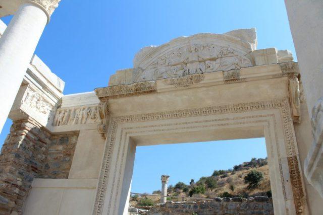 hadrianus-tempel_goodgirlscompany_turkije-vakantie
