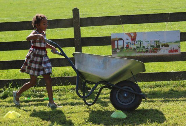 plusbricks-boerenbedrijf-spaaractie_goodgirlscompany_kruiwagen-race