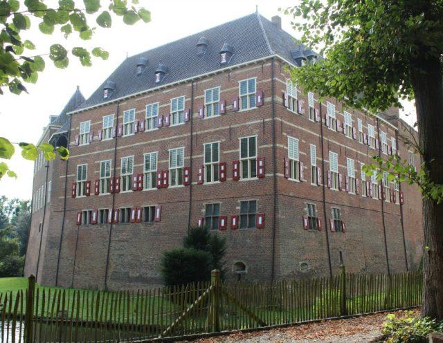 Kasteel-Huis-Bergh_GoodGirlsCompany.jpg