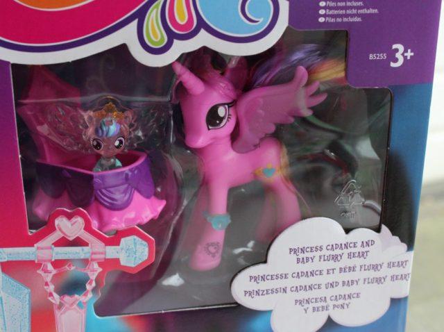 my-little-pony-crystal-empire-castle-princess-cadance-baby-flurry-heartgoodgirlscompany