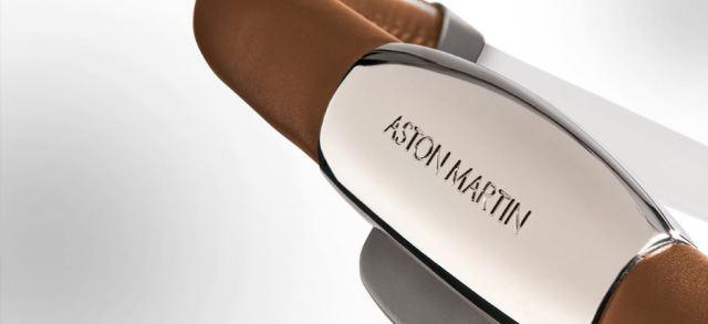 Silver_Cross_Aston_Martin_push_chair_handle_bar-GoodGirlsCompany