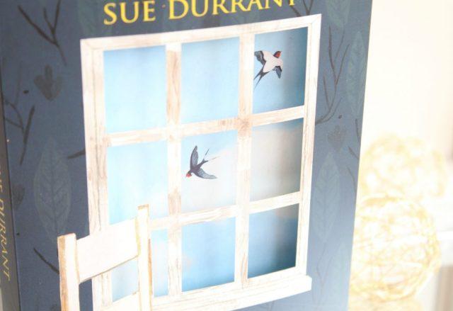 Stukjes-Hemelblauw-Sue-Durrant-Meis-en-Maas-GoodGirlsCompany