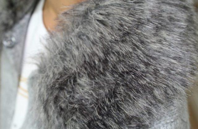 Zara-sale-grijze-faux-fur-vest-maat-128-T shirt-GoodGirlsCompany
