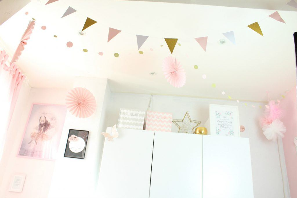 Gouden Accessoires Slaapkamer : Blush roze en gouden kinderkamer goodgirlscompany