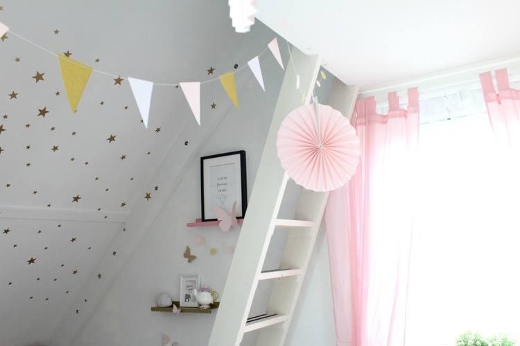 Blush roze en gouden kinderkamer goodgirlscompany - Kinderkamer grijs en roze ...
