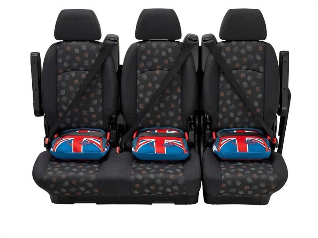 drie-autostoeltjes-op-de-achterbank-GoodGirlsCompany