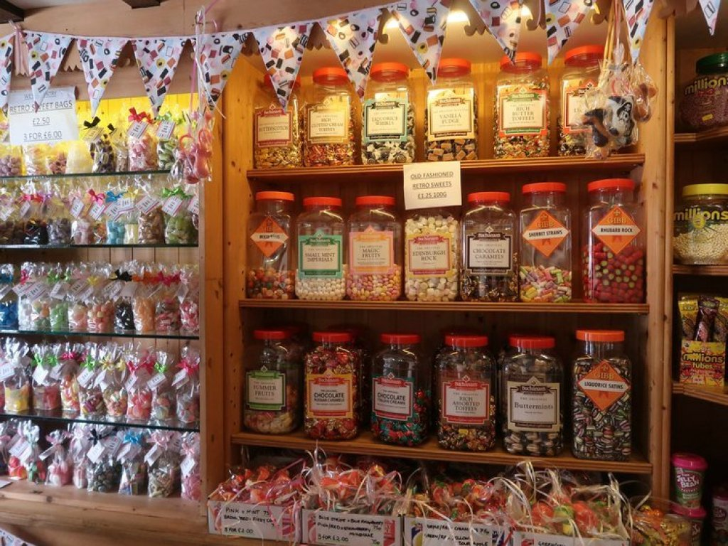The new Clovelly Sweet and Fudge Shop
