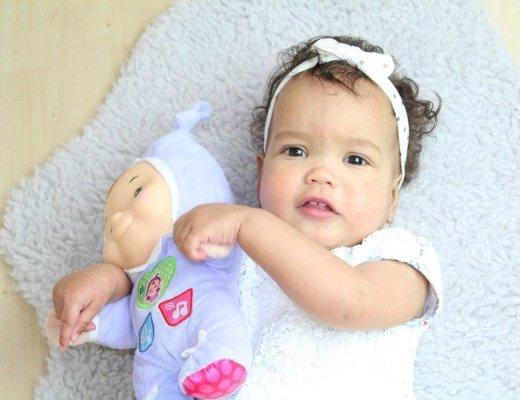 De invloed van het cellulair geheugen op baby's