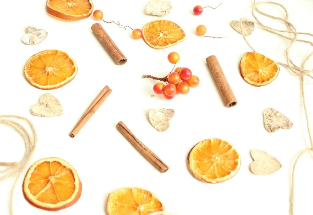 herfstslinger van gedroogde sinaasappels