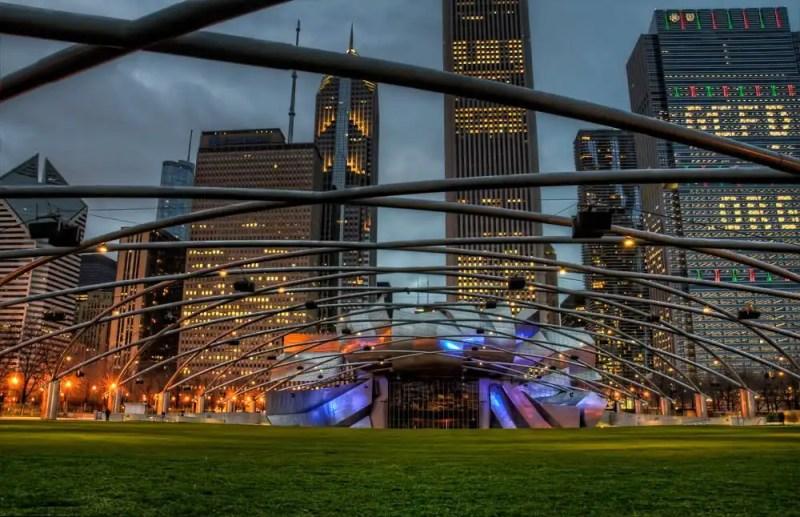 Chicago_Jay_Pritzker_Pavilion_HDR