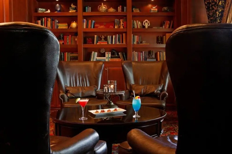 The Library Bar at Warwick Melrose Hotel, Dallas, TX