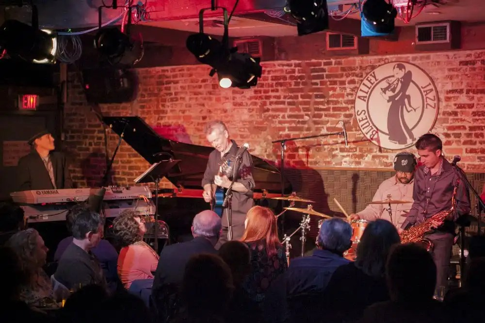 Peter-White5-@-blues-alley