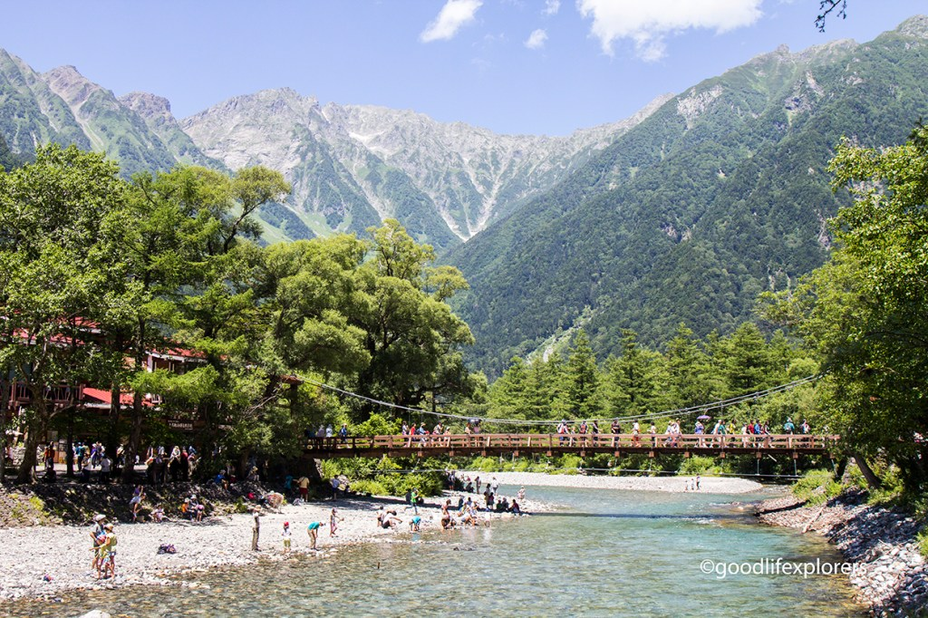 Kamikochi, Japan, Japanese Alps, Travel, tourism, hiking, nature, mountains, Matsumoto, solo travel, blog, Hiking in Japan Kamikochi, Japanese Alps, Kamikochi, hike, hiking, Japan, outdoor, family travel, solo travel, female solo travel, tips, what you should know, travel guide