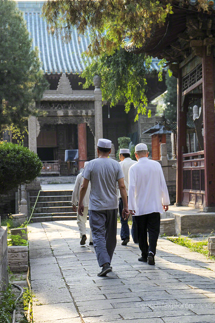 Devouts going to pray at the Great Mosque of Xi'An