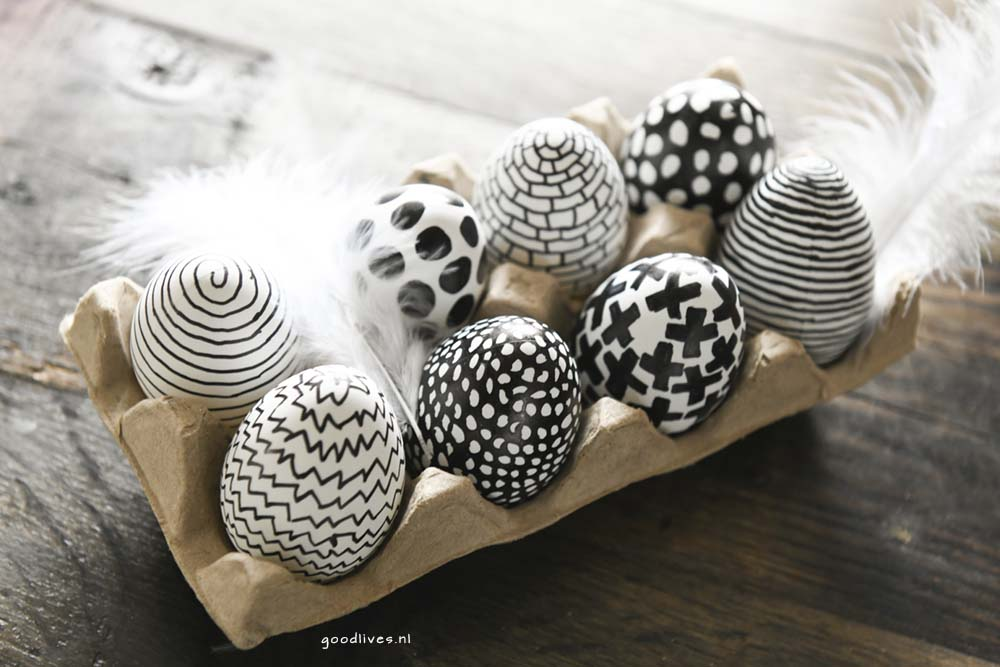 The eggs finished1, coloring of eggs in black and white, Goodlives.nl