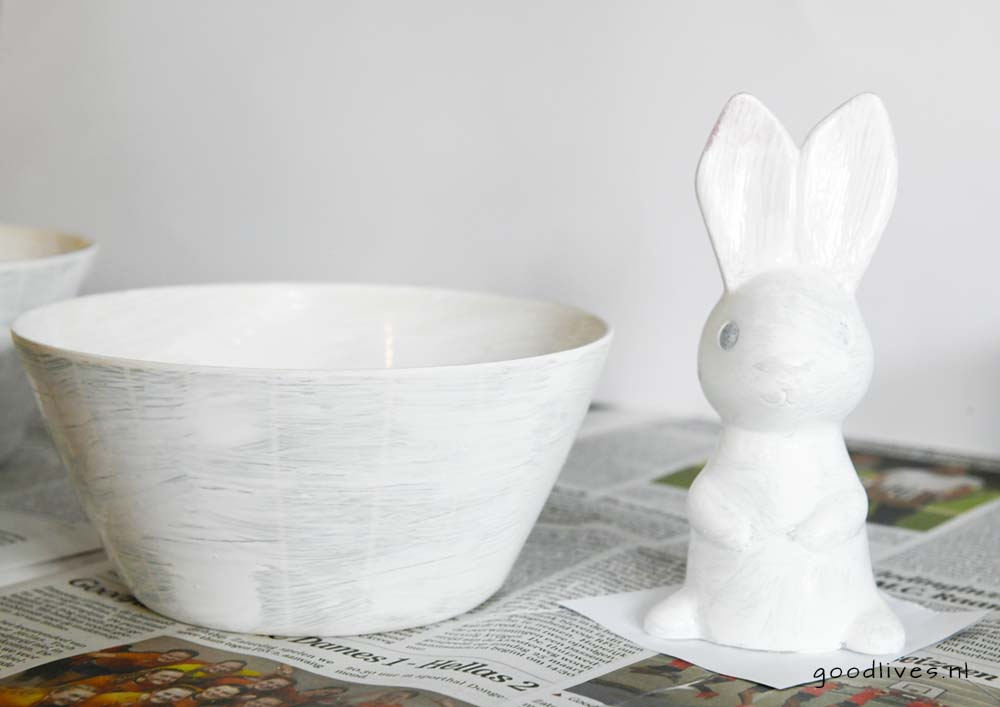 Easter bunny and bowl painted with primer, DIY goodlives.nl