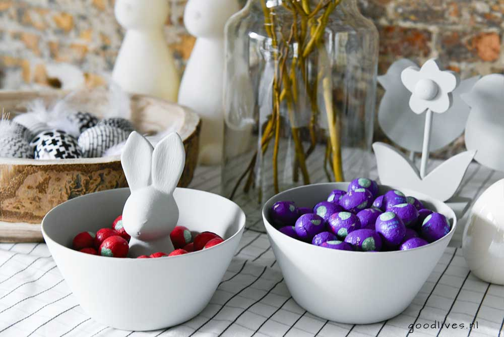 Easter table with chocolate eggs in DIY bowl, goodlives.nl