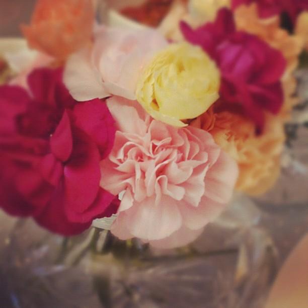 Blomster på bordet gjør dagen så mye bedre