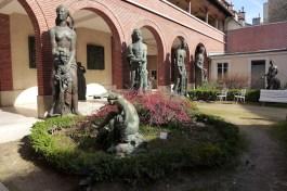 Musee Bourdelle Paris_front garden_1