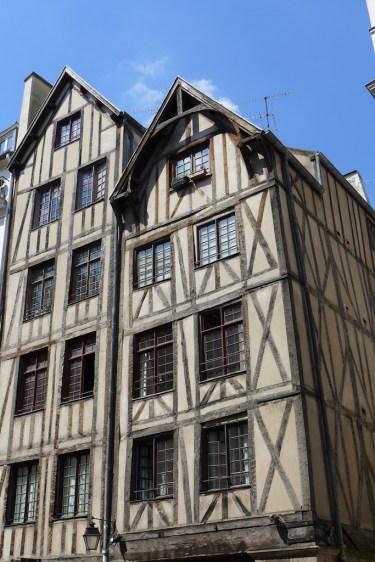 Marais-Paris-Medieval houses rue Francois Miron