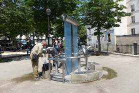 Place Paul Verlaine: Public fountain and petanque field