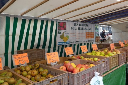 Marche Monge Paris-apples and pears