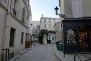 Exploring Passy-Paris-Impasse des carrieres