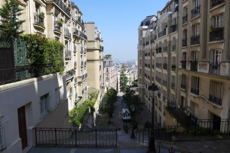 Montmartre-Views rue du Mont cenis