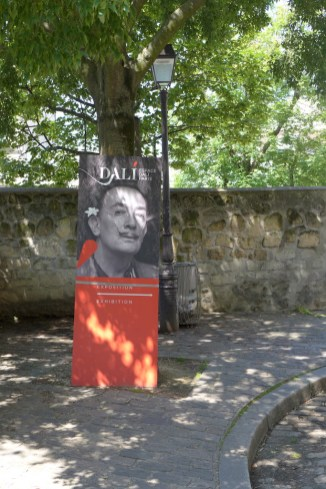 Montmartre-Rue Poulbot- Espace Dali