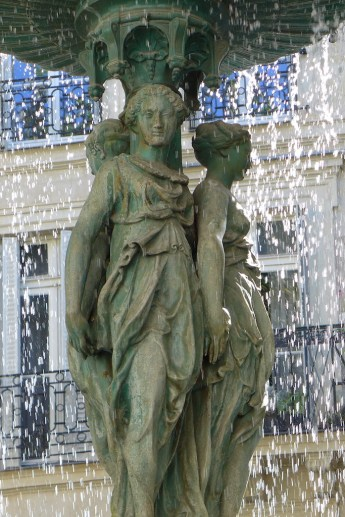 Fountains Paris-cite trevise-03
