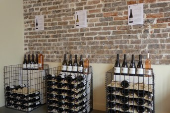 Les Vignerons Parisiens-Display of the wines