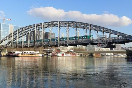 Viaduc d'Austerlitz - Metro crossing the Seine