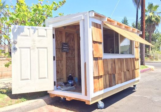 tiny house elvis submitted-homesweethome
