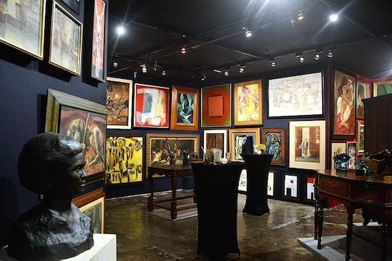 Leon Gallery