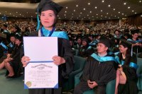 OFW single mother beats odds to graduate Cum Laude