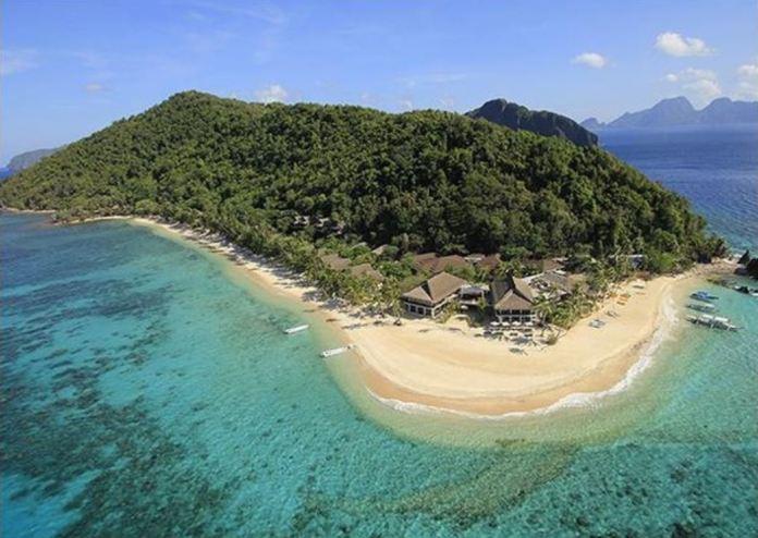 Pangalusian Island in Palawan