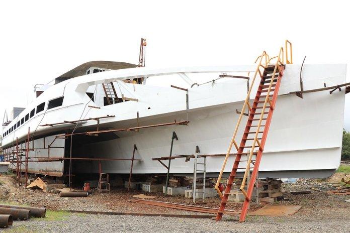 Ocean Powered Hybrid Trimaran