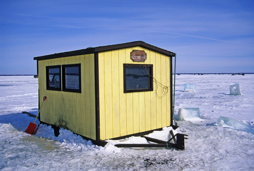 Ice shanty for ice fishing