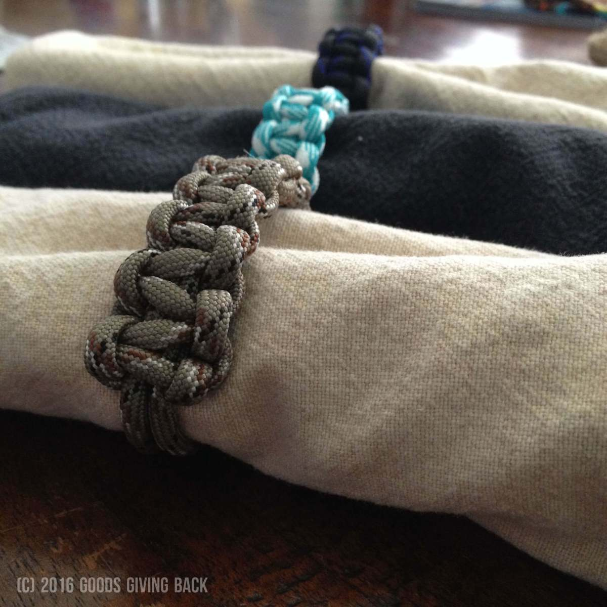 How To Make A Nifty Paracord Napkin Ring