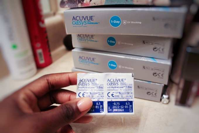 Ready to make the switch from glasses to contact lenses? I'm sharing my experience with Acuvue and how I dealt with contact lenses with my sensitive eyes. More on the blog! GoodTomiCha.com